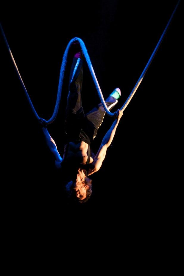 Le cirque alea enflamme la porte des lilas les - Le cirque electrique porte des lilas ...